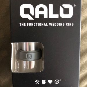 Men's Size 9 Qalo Ring